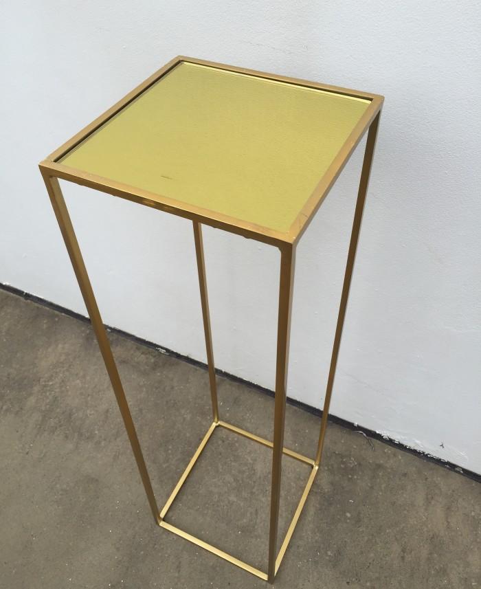 gold pedetsal